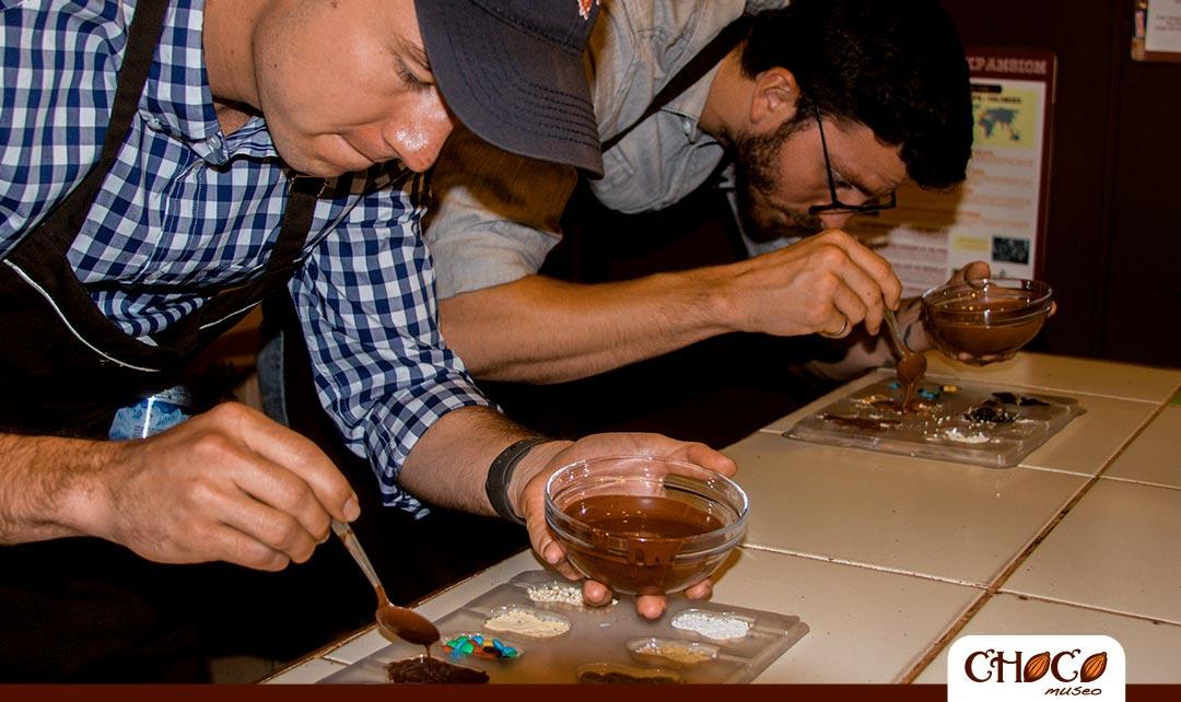 cual es el proceso del taller de chocolate